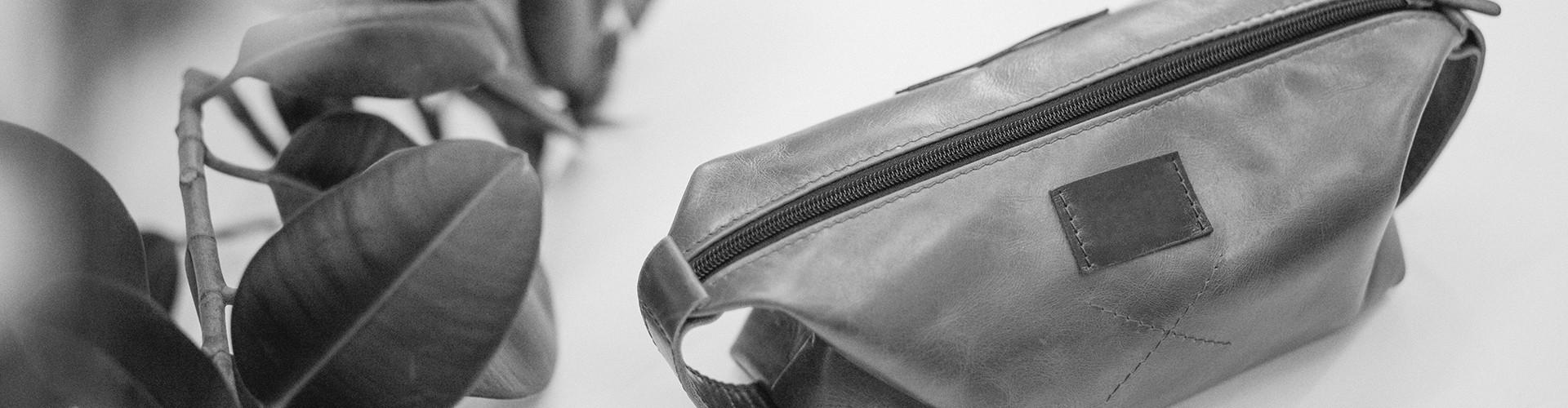 Kits et accessoires de voyage pour hommes