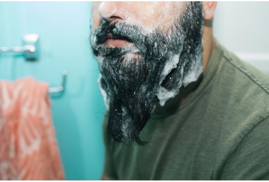 Pourquoi utiliser un shampoing à barbe plutôt qu'un shampoing ?